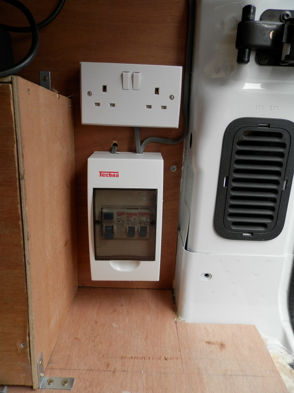 4 electrical system free at last rh free at last co uk Secondary Consumer Consumer Electrical Units