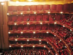 Metropolitan_Opera_auditorium[1]